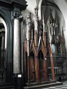 4962 gothic confessional