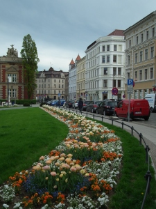 gorlitz  wrap around garden in the  square